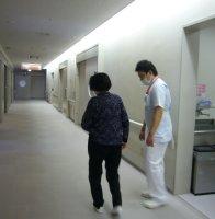 写真:歩行練習